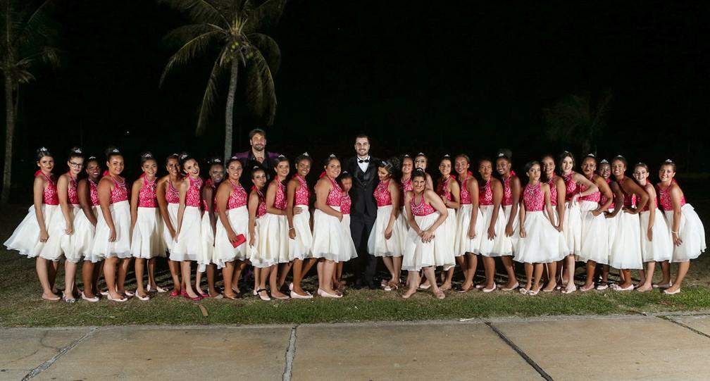 Participaram do projeto meninas de 14 a 15 anos de todo o Brasil; Festa foi realizada em Búzios, no RJ (Foto: Alexandre Rechtman/Projeto Fadas Madrinhas)