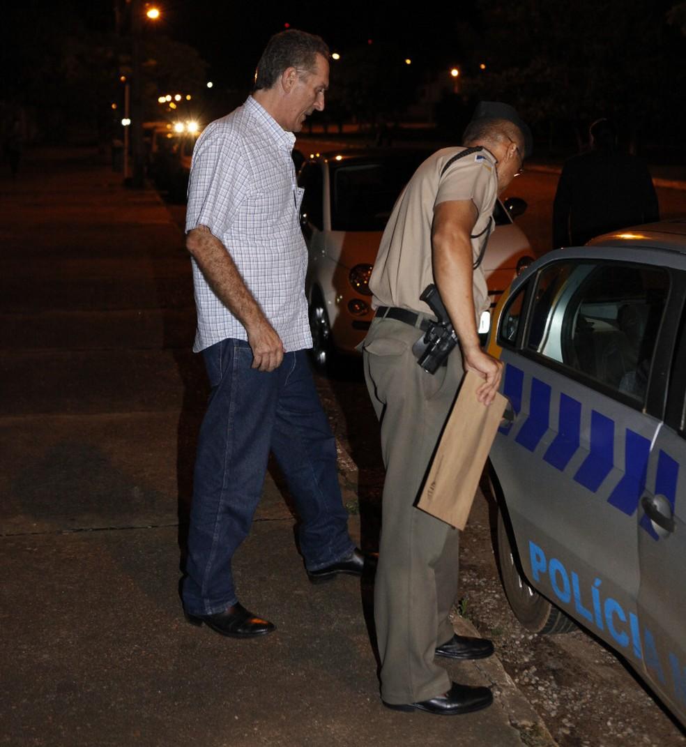 João Olinto se entregou no Forúm de Palmas — Foto: Djavan Barbosa/Jornal do Tocantins