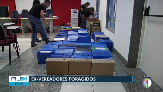 Ex-vereador foragido se entrega à PF em Campos, no RJ