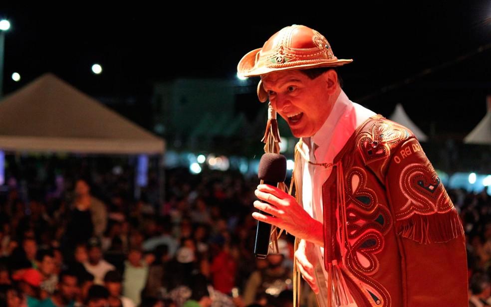 Forrozeiro Alcymar Monteiro é atração em Pilões — Foto: Reprodução/Prefeitura de Irecê