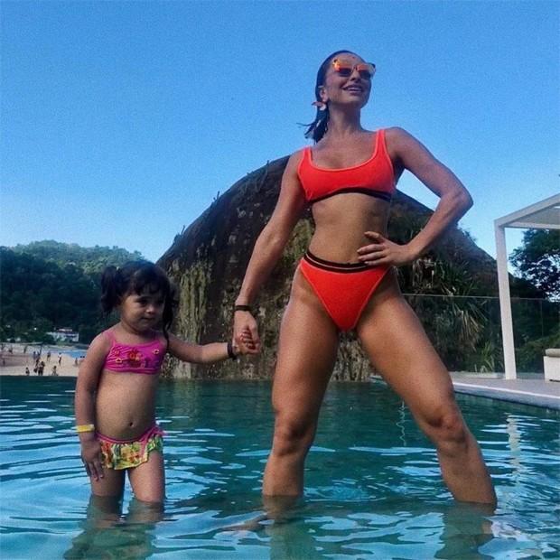 Sabrina Sato com a sobrinha (Foto: Reprodução/Instagram)