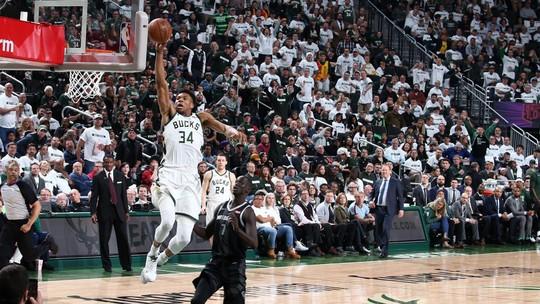 Confira o top 5 da noite de domingo pelos playoffs da NBA