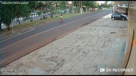Travesti é baleada em Foz do Iguaçu e busca por socorro a pé; vídeo