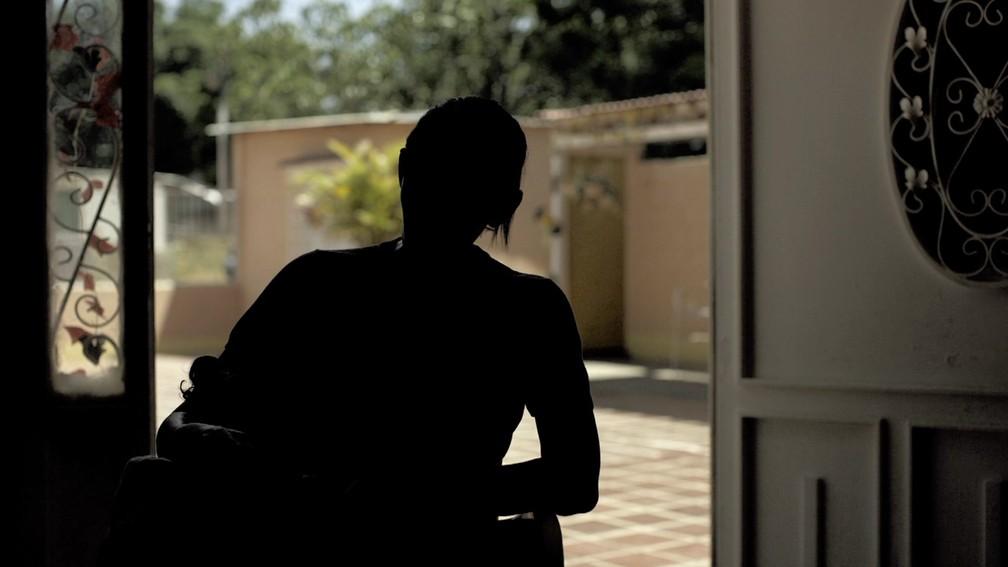 'Eu expliquei aos meus filhos que não queria abandoná-los, mas não tenho como sustentá-los', diz venezuelana — Foto: BBC
