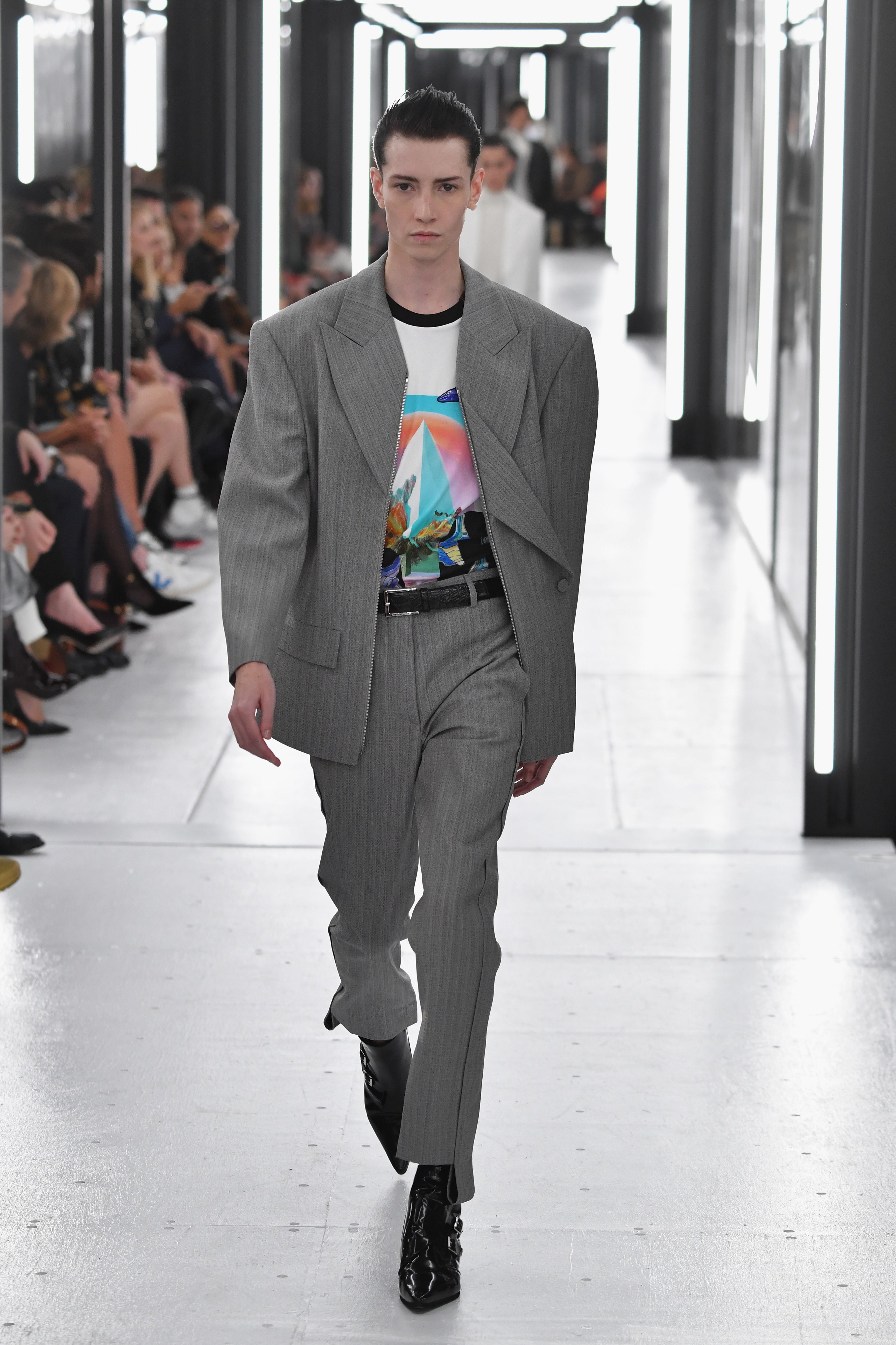 Louis Vuitton aposta em roupas sem gênero (Foto: Getty Images)