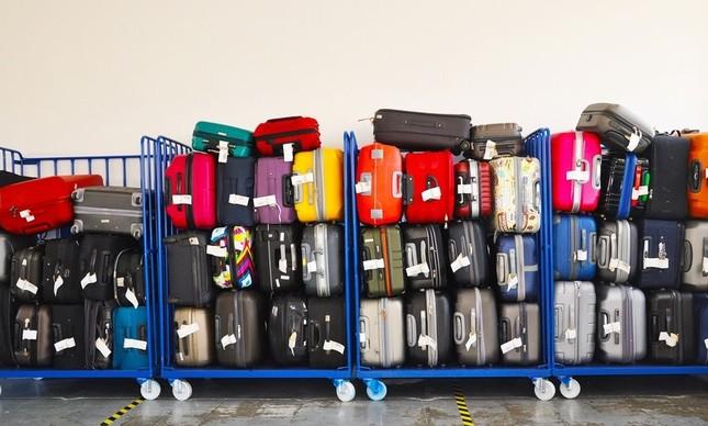 Malas a serem embarcadas em aeroporto