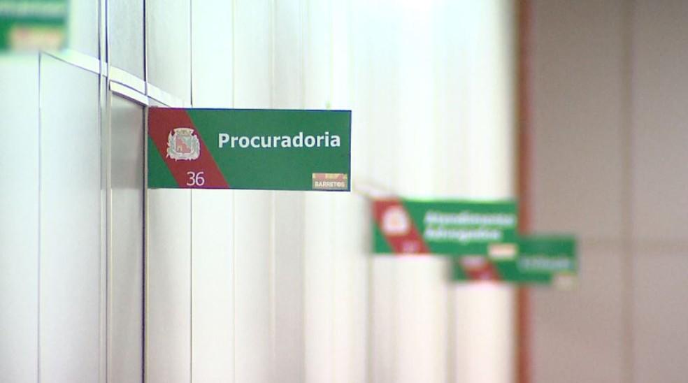 Repartições públicas de Barretos funcionam em expediente único para redução de gastos até o fim do ano (Foto: Reprodução/EPTV)