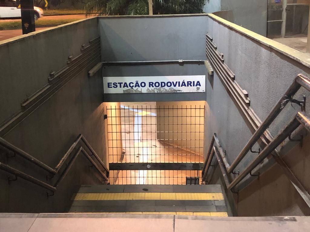 Grupo invade estação da Trensurb, rende funcionários e leva dinheiro do cofre - Notícias - Plantão Diário