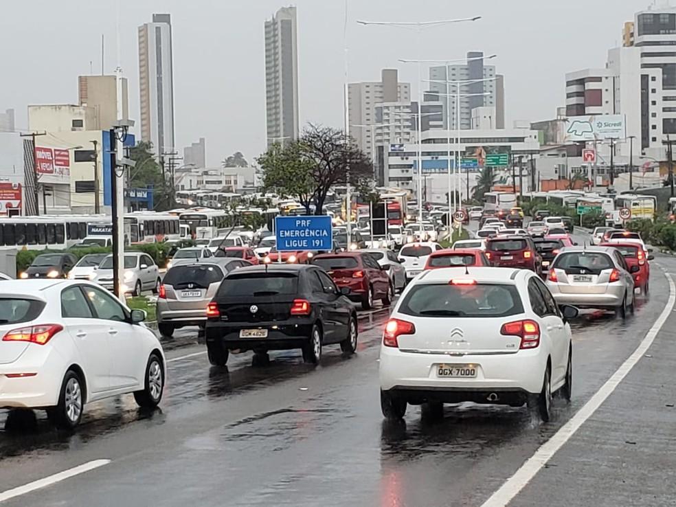Trânsito lento na BR-101 Sul em Natal (Arquivo) — Foto: Bruno Vital/G1