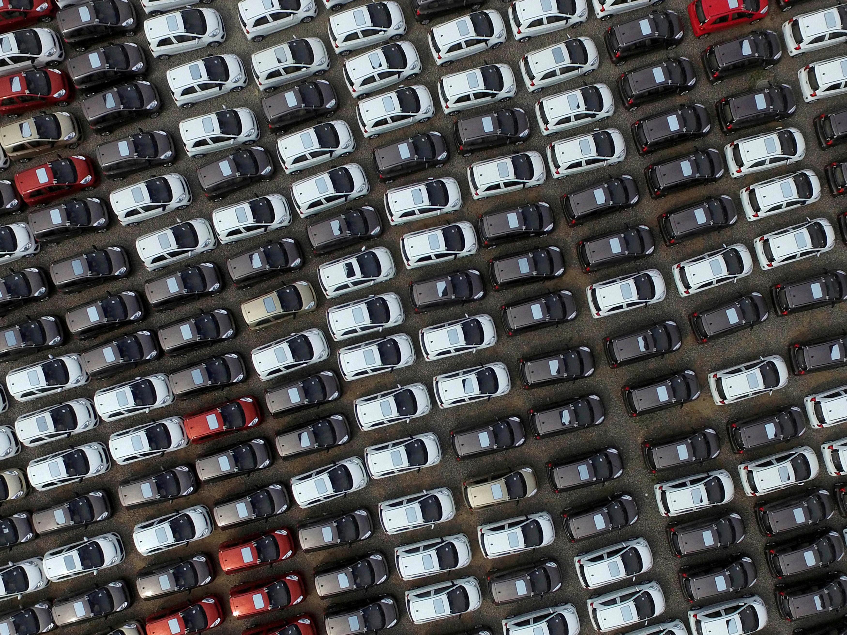China confirma suspensão de tarifas a veículos e peças americanos