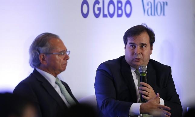 """Guedes e Maia, no evento """"E agora, Brasil?"""""""