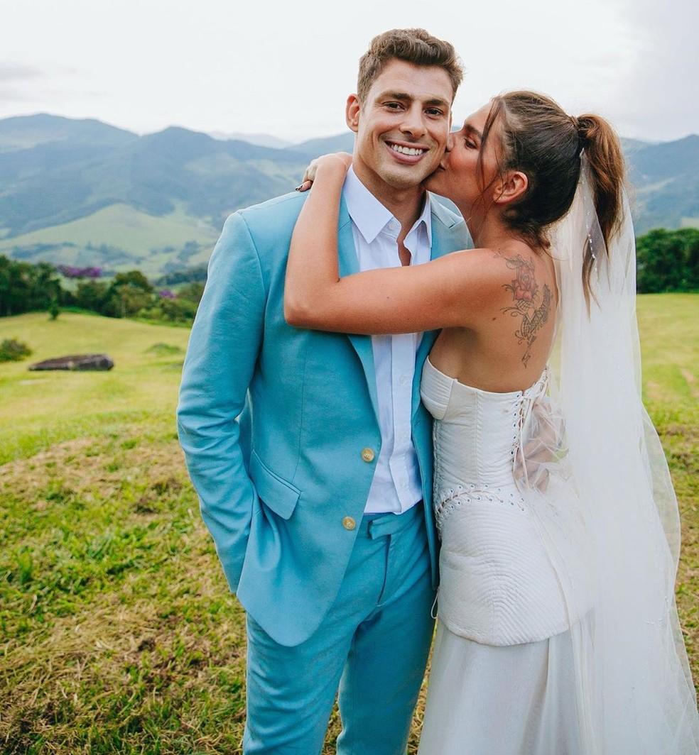 Cauã Reymond e a mulher, a modelo e apresentadora Mariana Goldfarb, no dia de seu casamento — Foto: Reprodução/Instagram