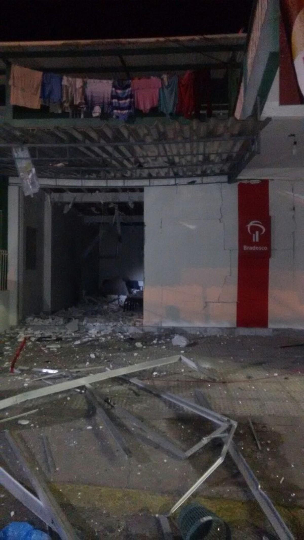 Bandidos explodem caixas em posto bancário no Agreste de Pernambuco