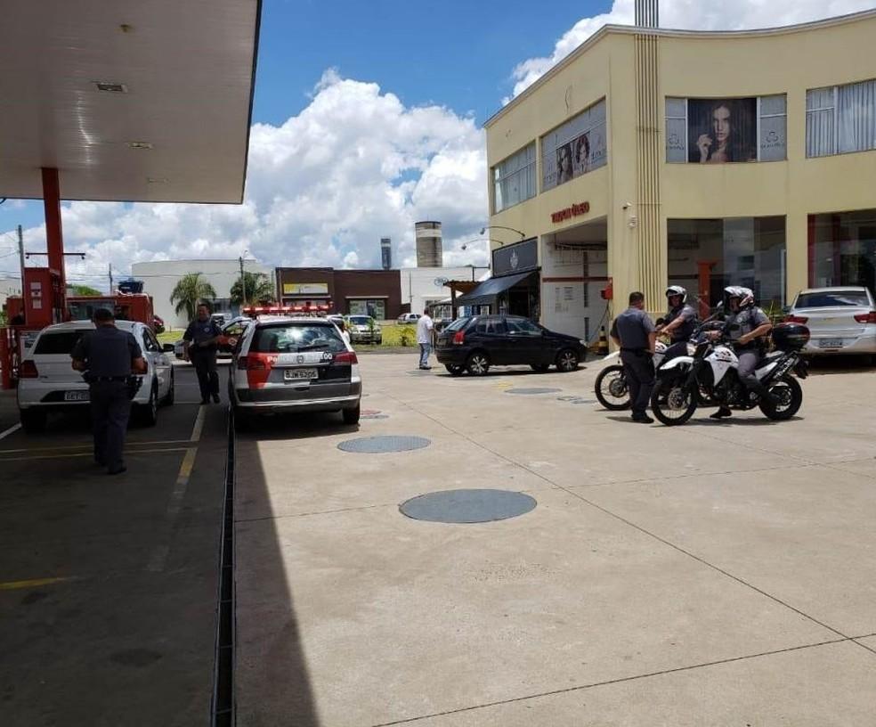 PM estava de folga quando foi atingido por tiros em posto de combustível em São Carlos — Foto: ACidadeON/São Carlos