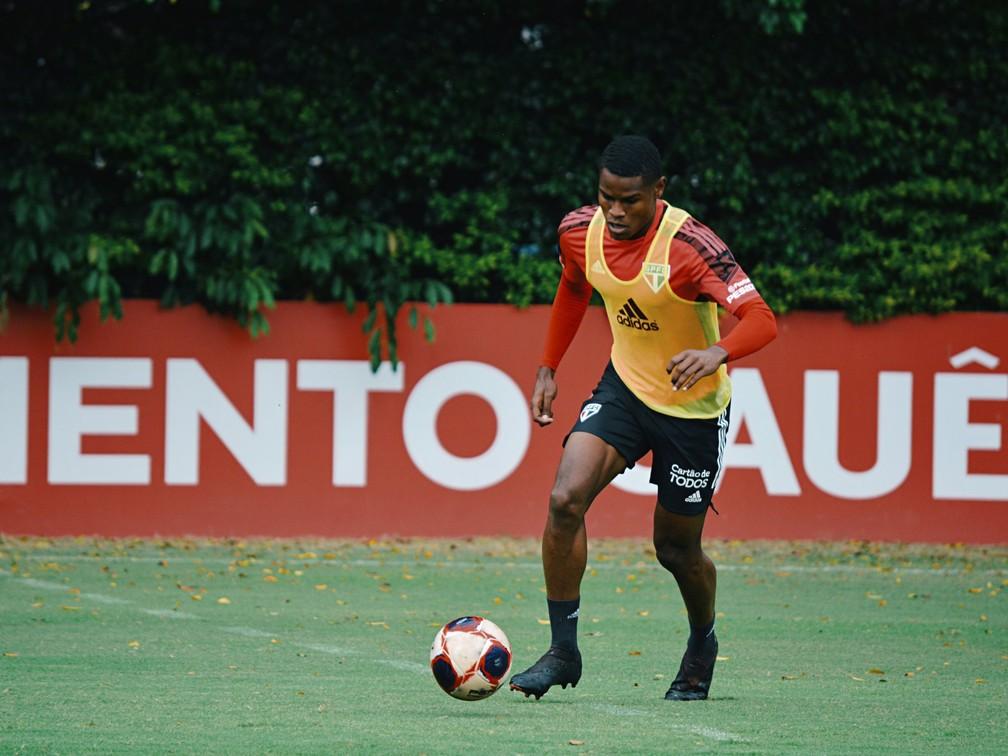 Marquinhos, uma das novidades do São Paulo contra o Mirassol — Foto: Fellipe Lucena/saopaulofc