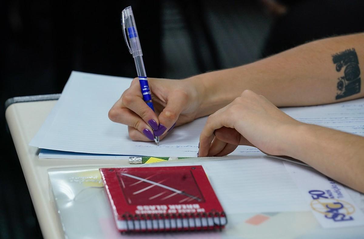 Coronavírus: Rede particular de ensino poderá retomar aulas presenciais em Foz do Iguaçu a partir de segunda-feira (27) – G1
