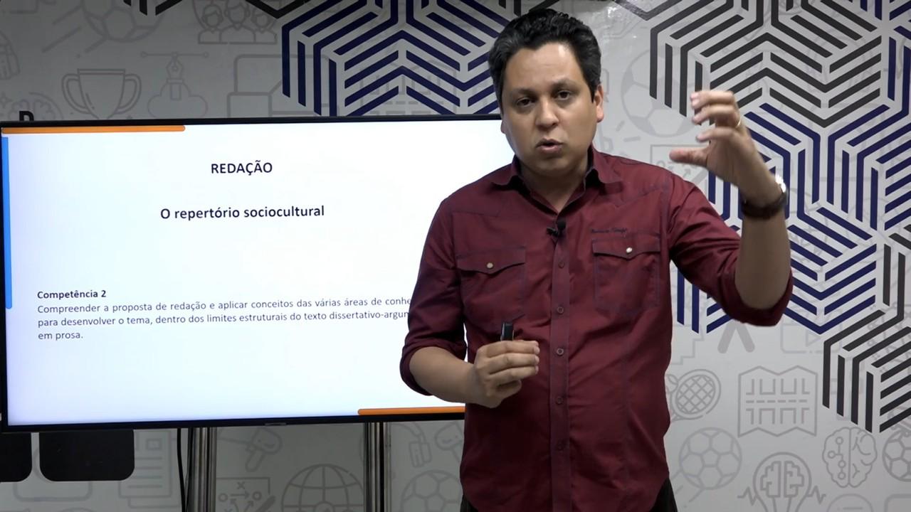 Videoaula de redação ensina como usar o repertório sociocultural