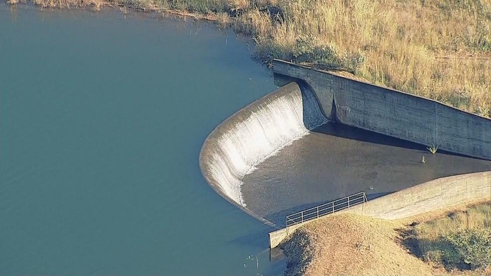 Reservatório de Santa Maria, no DF, chega a 100% da capacidade — Foto: TV Globo/Reprodução