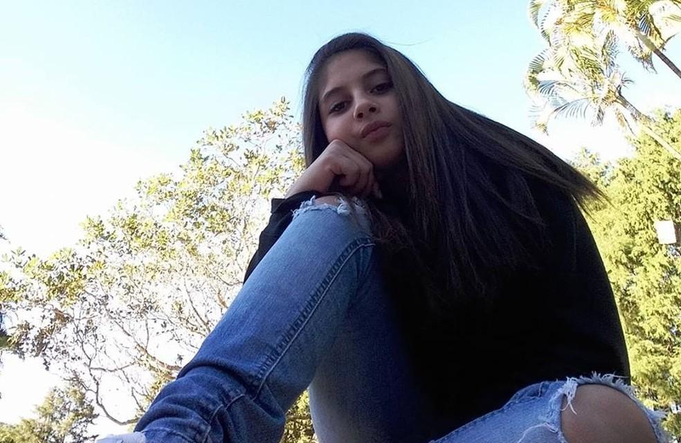 Jovem foi enterrada em São Roque — Foto: Facebook/Reprodução