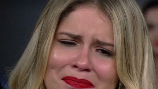 Marília Mendonça se emociona e vai às lágrimas no 'Arquivo Confidencial'