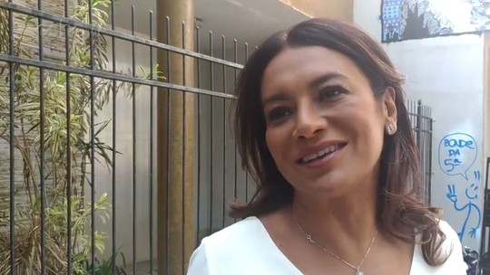 Dira Paes é presa em cena do 'Tá No Ar': 'Me convidam pra participar e até algema já coloquei'