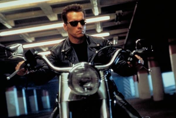 Arnold Schwarzenegger em 'O Exterminador do Futuro 2: O Julgamento Final' (1991). (Foto: Reprodução)
