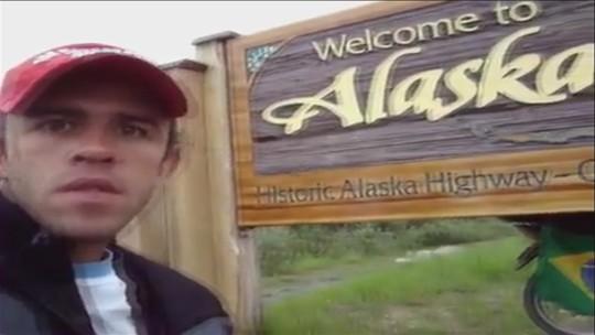 Aventura de vendedor que foi de moto do interior de SP ao Alasca viraliza na internet