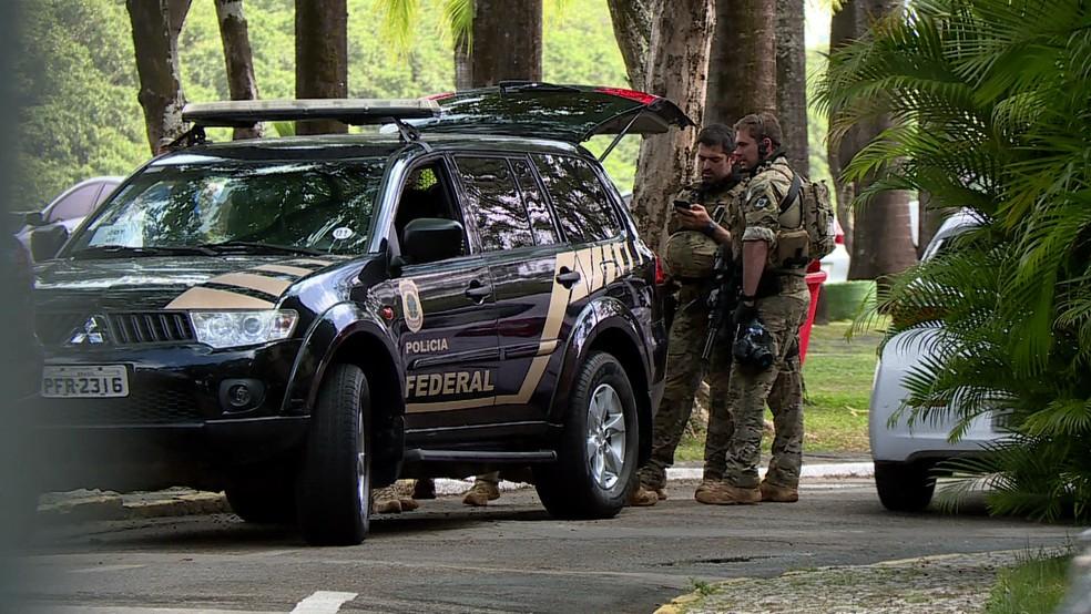 Resultado de imagem para PF realiza operação na Casa Militar do governo de PE e residências no Grande Recife