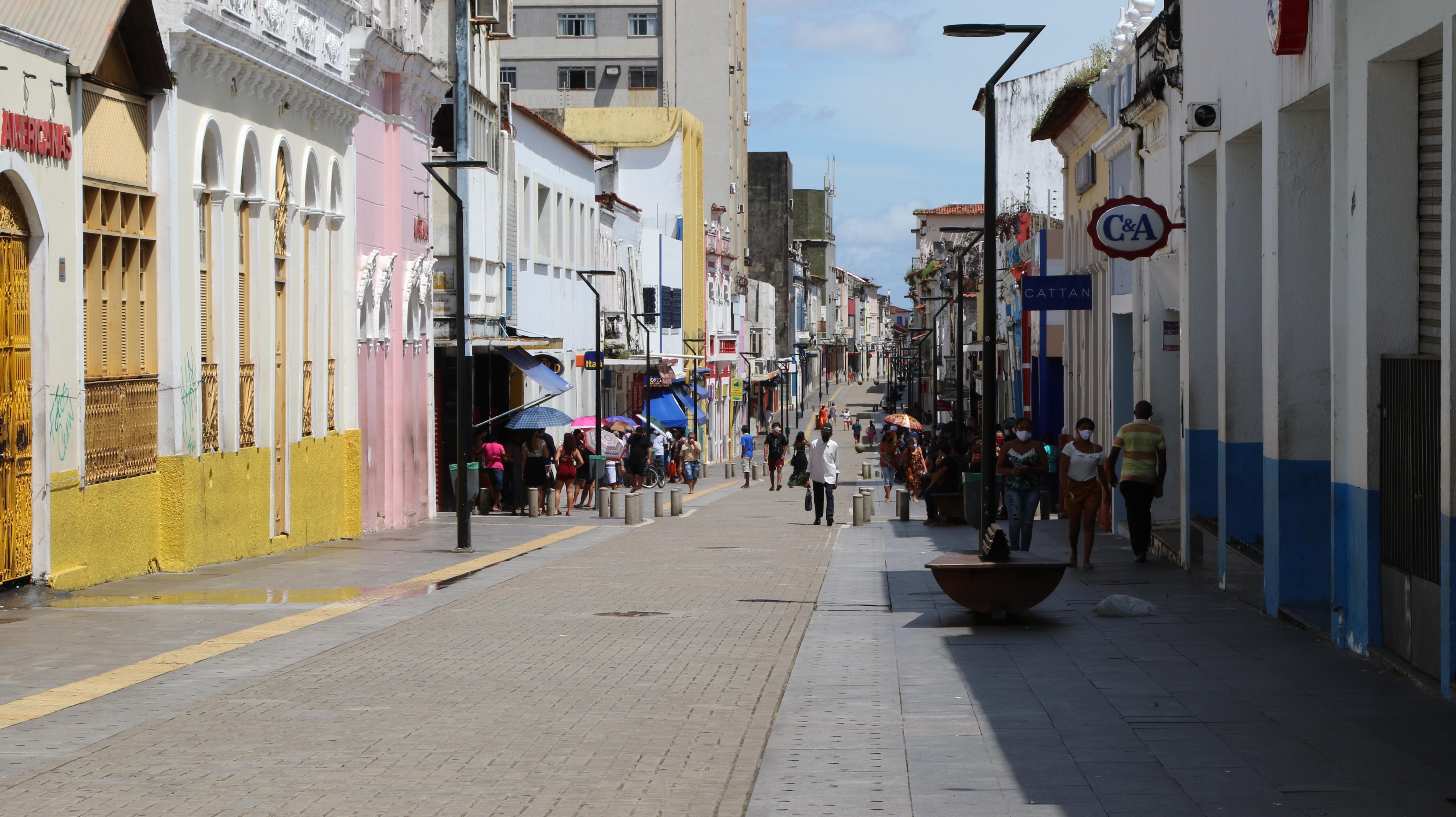 Comércio volta a funcionar parcialmente nesta segunda-feira (25) no Maranhão