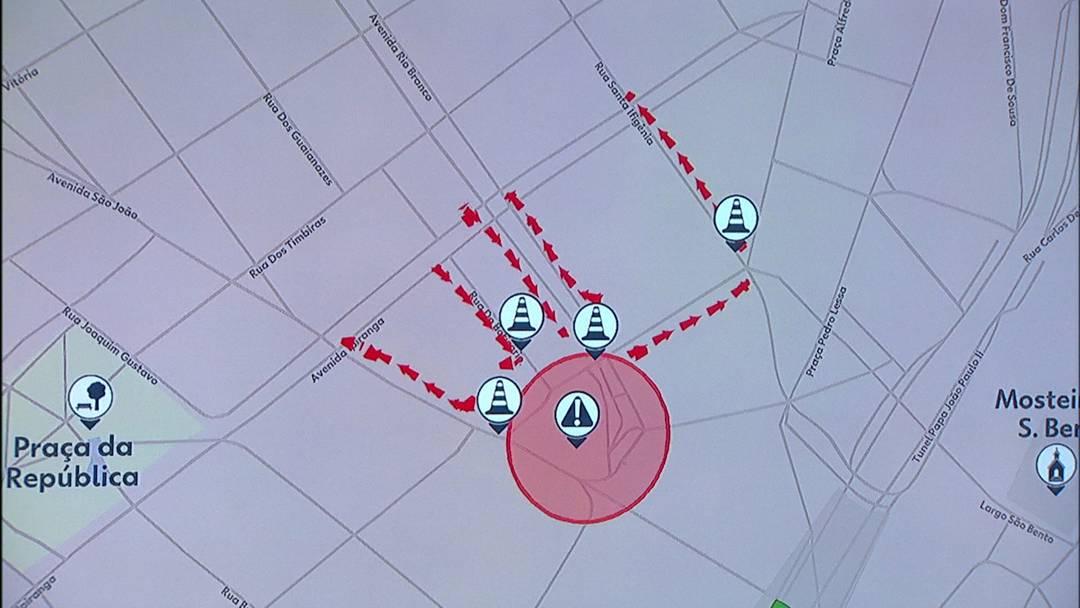 Em vermelho, o Largo do Paissandu, onde ocorreu o incêndio. Vias que desembocam ou saem do largo estão bloqueadas