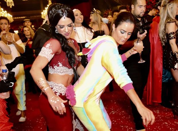 Graciele Lacerda e Luciele Di Camargo (Foto: Manuela Scarpa/Brazil News)