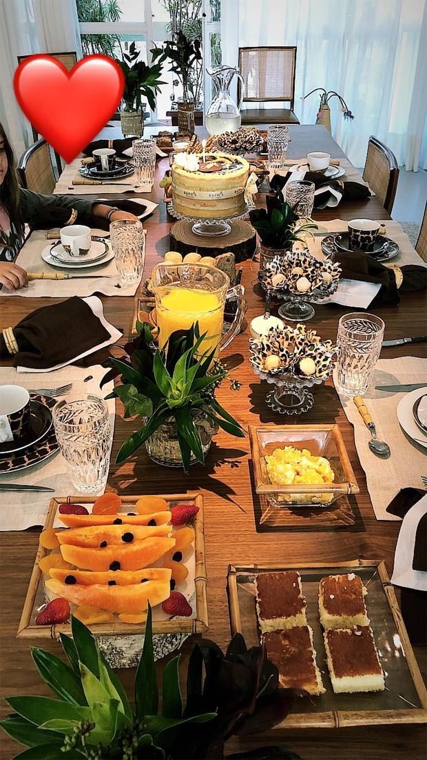 Café da manhã de Grazi Massafera (Foto: Reprodução/Instagram)