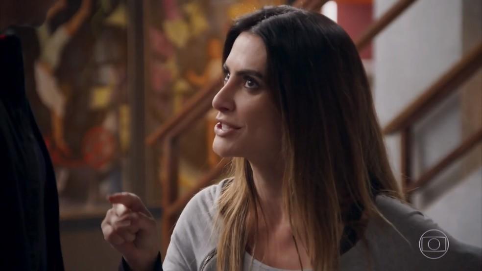 Tamara (Cleo) ameaça fazer uma loucura caso Beto (João Baldasserini) confesse sua armação - 'Haja Coração' — Foto: Globo