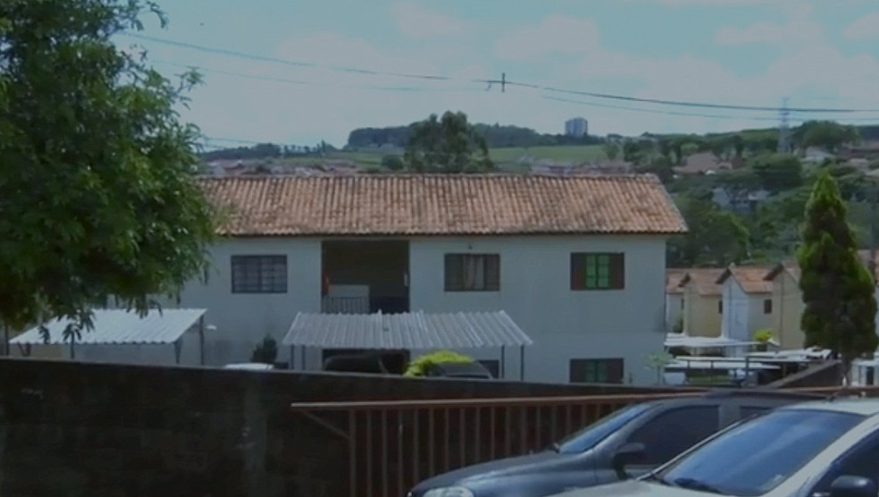 Condomínio onde mulher morava em São Carlos — Foto: Reprodução/EPTV