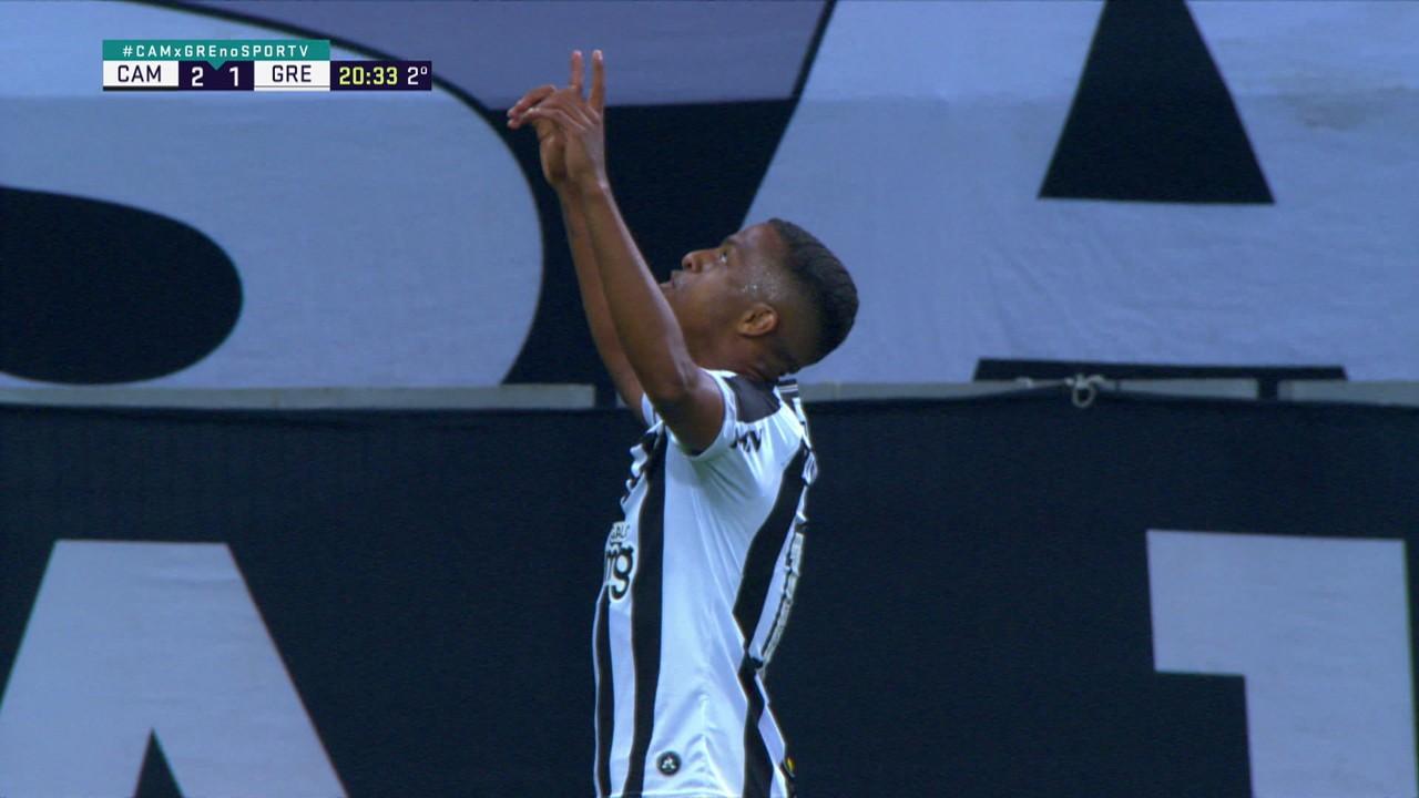 Gol do Atlético-MG! Everson aciona o Keno com um lançamento que avança, invade a área e de biquinho, amplia o placar, aos 20 do 2º tempo