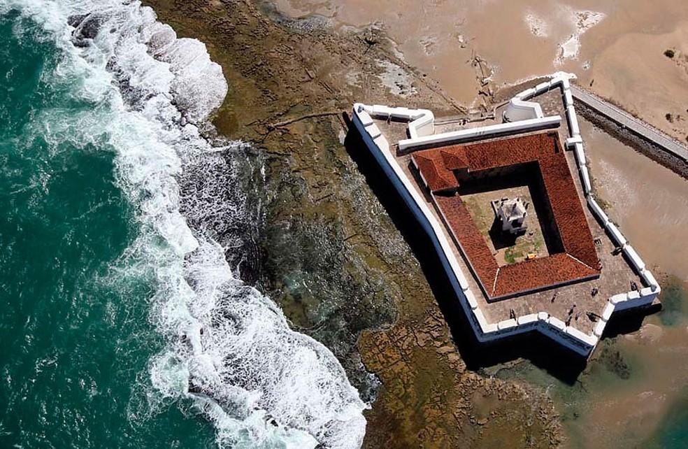 Foto aérea mostra Fortaleza dos Reis Magos. Construção demorou 30 anos e foi concluída em 6 de janeiro de 1598 — Foto: Canindé Soares