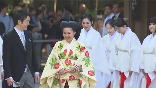 Princesa Ayako, do Japão, abre mão do título real para se casar com o homem que ama