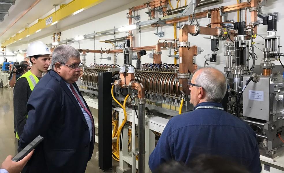 Ministro da Secretaria de Governo, Carlos Marun fez uma visita técnica ao Sirius, em Campinas (SP) — Foto: Gustavo Porto/EPTV