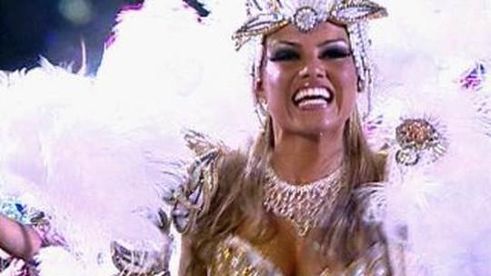 Ellen Rocche: relembre todos os desfiles da atriz como rainha de bateria da Rosas de Ouro