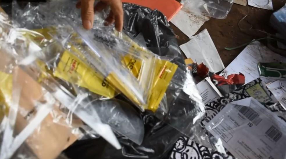Réguas e esquadros também foram encontrados em Casa Branca (Foto: Ary Molinari/Jornal Casa Branca)