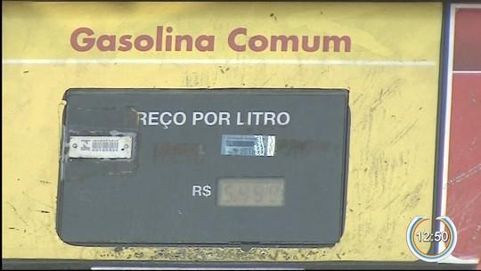 Com oferta reduzida, posto de Taubaté vende litro da gasolina por R$ 5,49