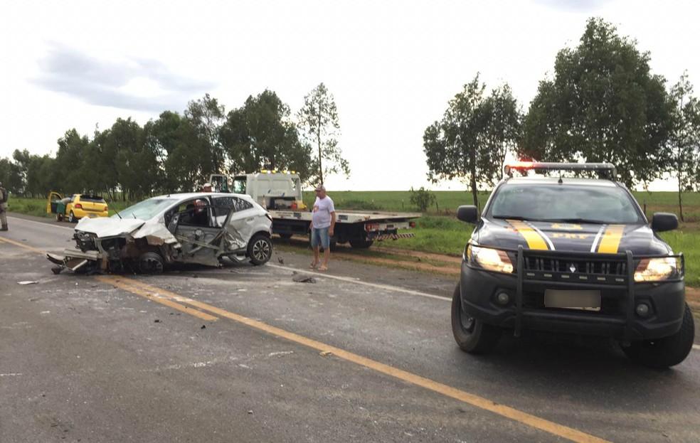 Quatro pessoas ficaram feridas no acidente — Foto: Elvis Araújo/Blog Braga
