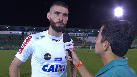 """Vanderlei não poupa Santos após derrota e pede reação: """"Do jeito que está não pode"""""""