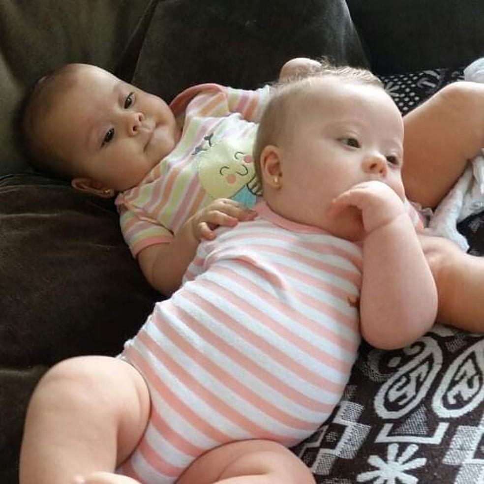 Irmãs se dão muito bem, segundo a mãe — Foto: Raquel Cimi/ Arquivo pessoal