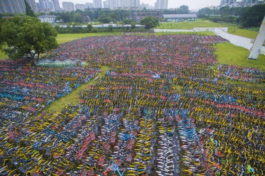 Na China, cemitério de bicicletas chama a atenção