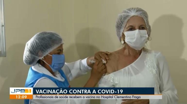Psicóloga de 73 anos que assinou termo para trabalhar na pandemia é vacinada contra Covid-19, na PB: 'valeu a pena'