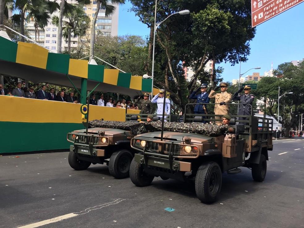 Representantes das Forças Armadas durante desfile do 7 de setembro, em Salvador — Foto: João Souza/ G1