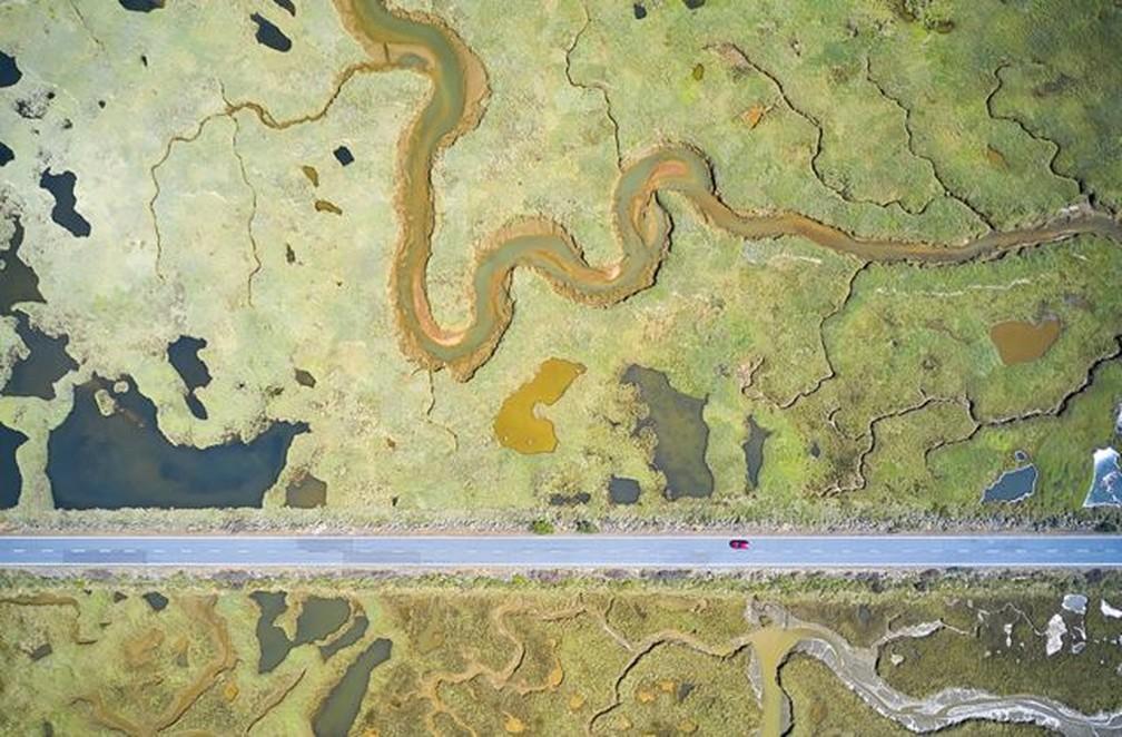 A imagem venceu na categoria Pântanos: Panorama Geral. — Foto: JAVIER LAFUENTE/WPY
