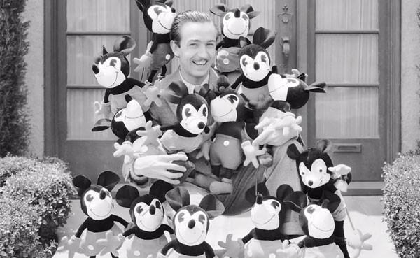 Em homenagem a seu 90º aniversário, Mickey Mouse terá exposição em NY (Foto: Reprodução/YouTube)