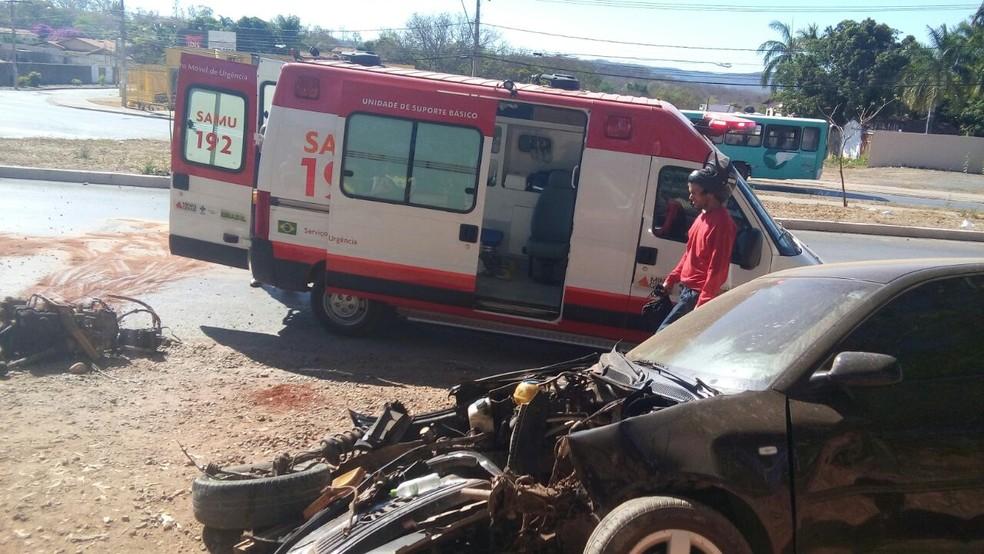 Veículo ficou destruído após o impacto  (Foto: Alexandro Jesus Fonseca/Arquivo pessoal)